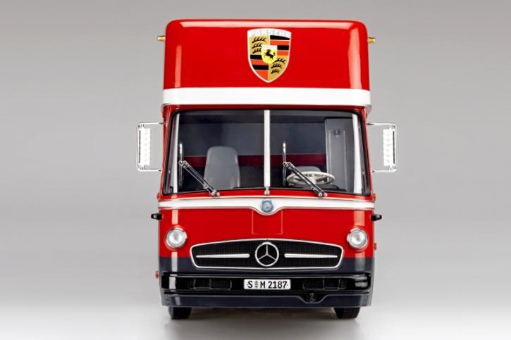 Schuco Porsche Renntransporter Mercedes 1:18