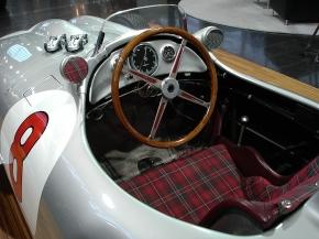 CMC Mercedes-Benz W196, Hans Herrmann, Signatur Edition Diorama